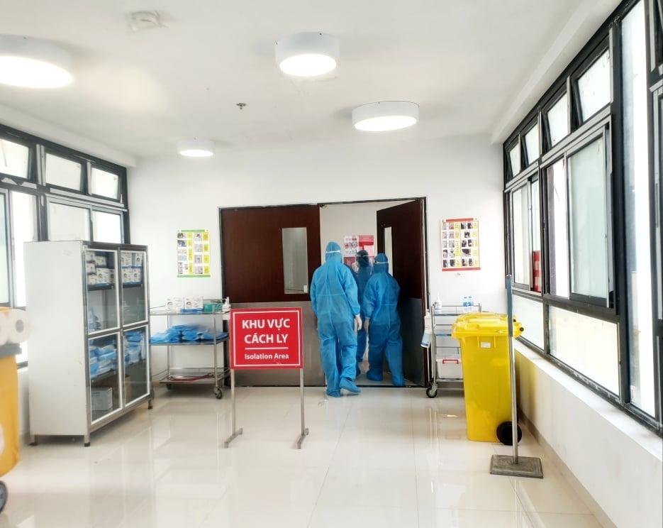 Trưởng khoa nội tiết Bệnh viện 105 dương tính với SARS-CoV-2