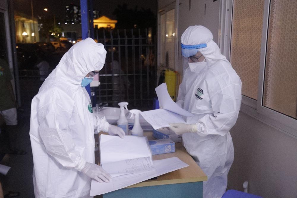 Thêm 7 đồng nghiệp của bệnh nhân ở Times City dương tính với SARS-CoV-2