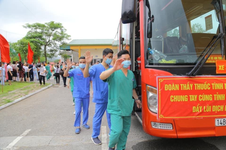 """Quảng Ninh cử 200 nhân viên y tế, ủng hộ 4 tỷ đồng """"tiếp sức"""" Bắc Giang chống dịch"""