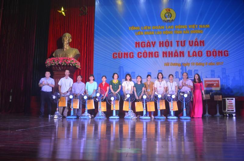700 CNLĐ tham gia Ngày hội tư vấn tại Hải Dương