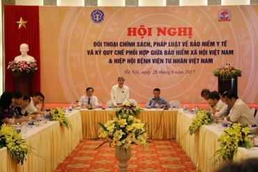 Đối thoại về thực hiện chính sách pháp luật BHYT với các cơ sở y tế tư nhân