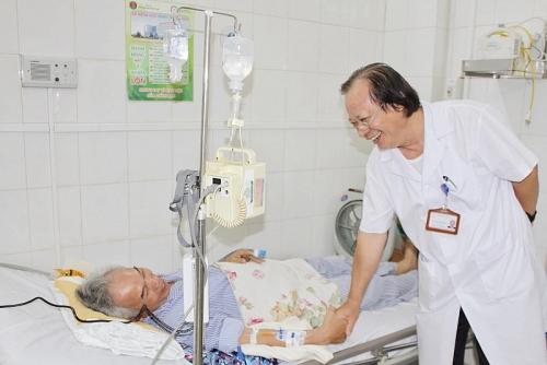 Ứng dụng điều trị tế bào gốc thành công cho người bệnh phổi