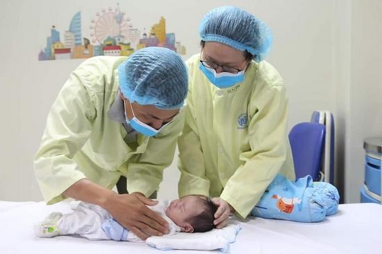 Mổ khẩn cấp cứu sống bé sơ sinh 15 giờ tuổi bị tim bẩm sinh phức tạp