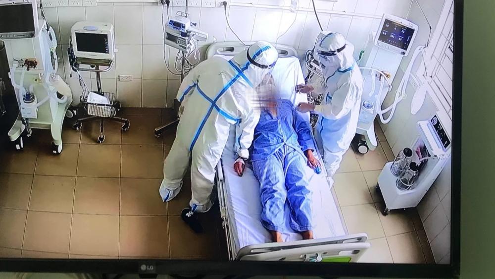 Trung tâm hồi sức tích cực lớn nhất miền Bắc tiếp nhận 6 bệnh nhân nặng