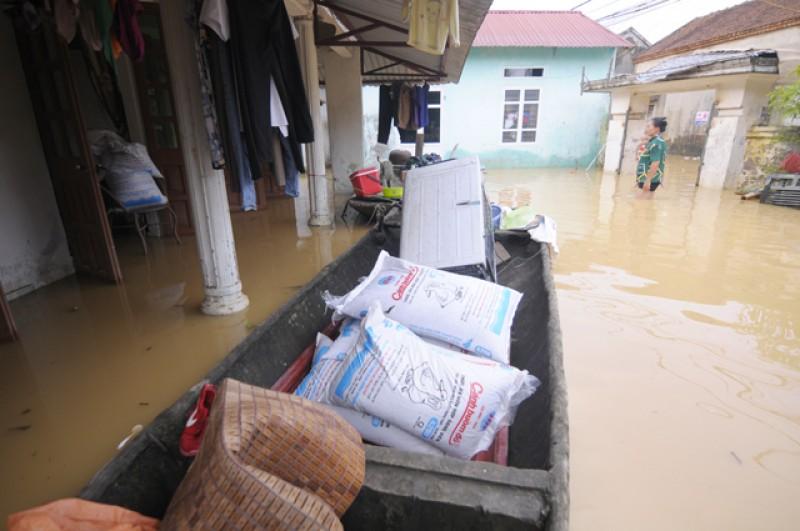 Đảm bảo nước sạch sinh hoạt cho người dân sau bão lũ