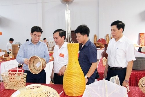 http://laodongthudo.vn/stores/news_dataimages/minhkhue/072019/15/09/1316_hoi_thi3.JPG.jpg
