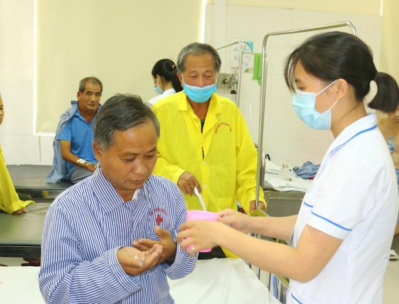 Quỹ PASTB hỗ trợ bệnh nhân ngoại quốc đầu tiênchiến thắng bệnh lao