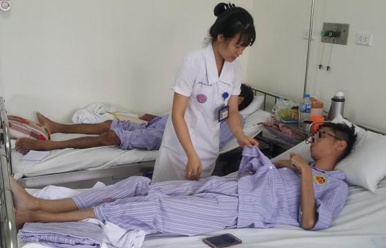 Trẻ lõm ngực bẩm sinh: Nên phẫu thuật trước tuổi dậy thì