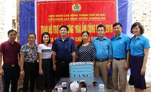 LĐLĐ huyện Chương Mỹ: Trao hỗ trợ Mái ấm Công đoàn cho đoàn viên công đoàn