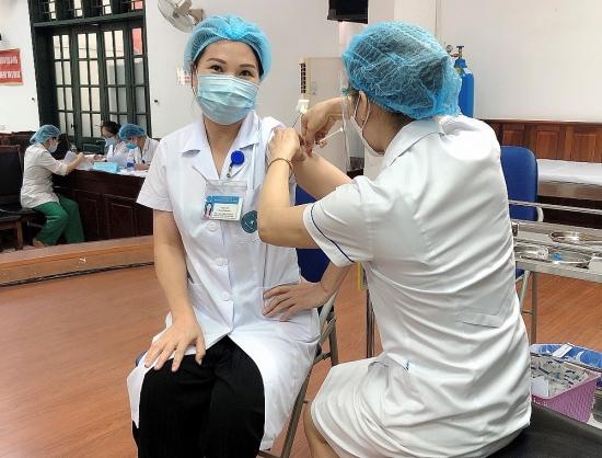 Thêm gần 660.000 liều vắc xin Covid-19 của AstraZeneca về đến Việt Nam