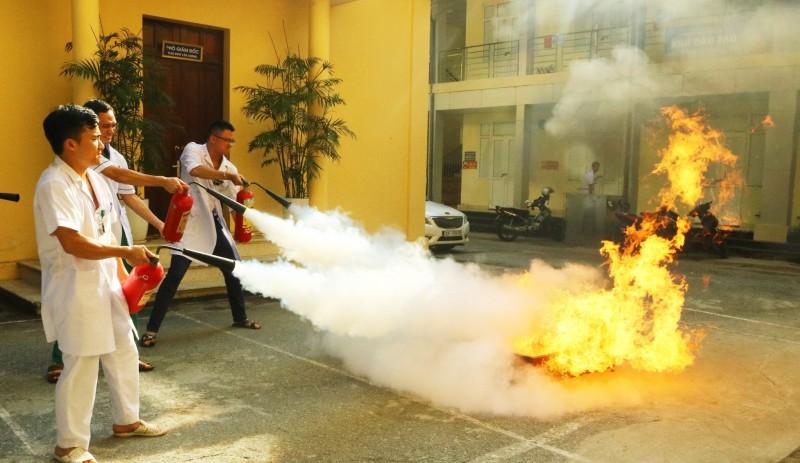Tập huấn phòng cháy chữa cháy tại Bệnh viện Phổi Trung ương
