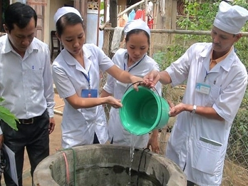 Khuyến cáo người dân phòng tránh các bệnh dịch dễ gặp mùa mưa bão