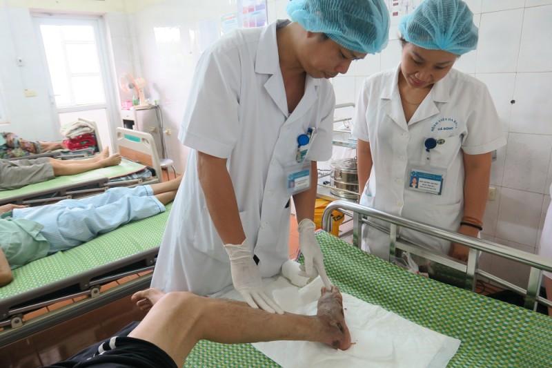 Biến chứng bàn chân do tự uống thuốc điều trị đái tháo đường
