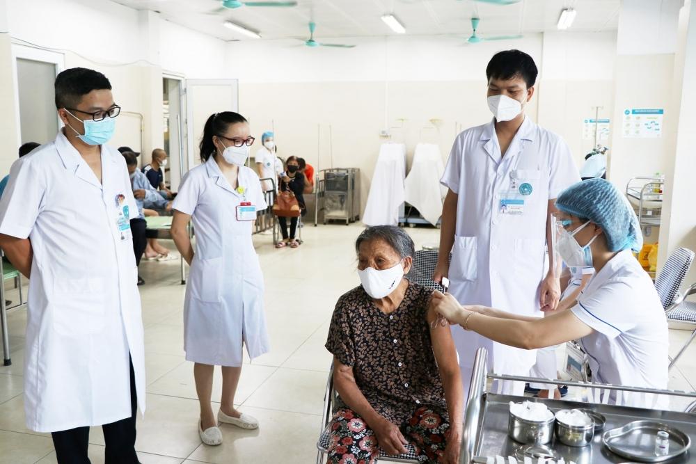 160 bệnh nhân chạy thận nhân tạo được tiêm vắc xin phòng Covid-19