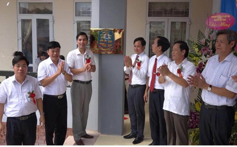 Huyện Mỹ Đức gắn biển công trình trường tiểu học Hương Sơn A