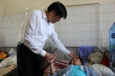 Thứ trưởng Bộ Y tế kiểm tra sốt xuất huyết tại Thanh Hóa