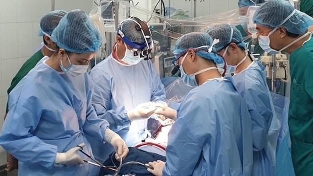 Phẫu thuật thành công 2 ca mổ tim bằng kỹ thuật mổ nội soi ít xâm lấn