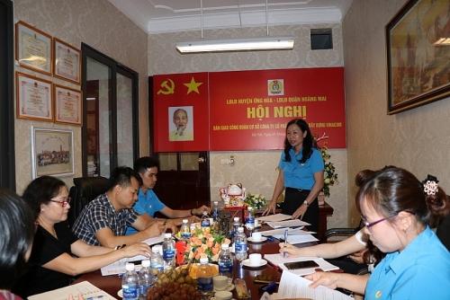 Bàn giao công đoàn cơ sở về Liên đoàn lao động quận Hoàng Mai