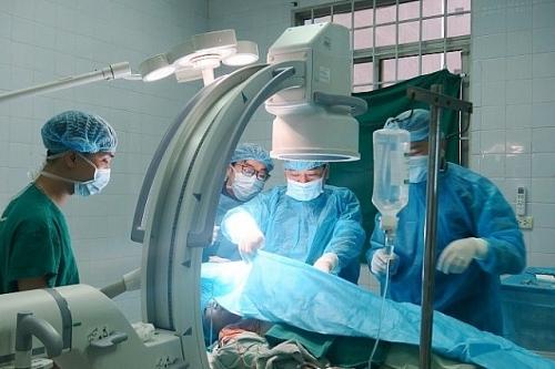 Cứu sống bệnh nhân 38 tuổi nhờ đặt máy tạo nhịp tim vĩnh viễn