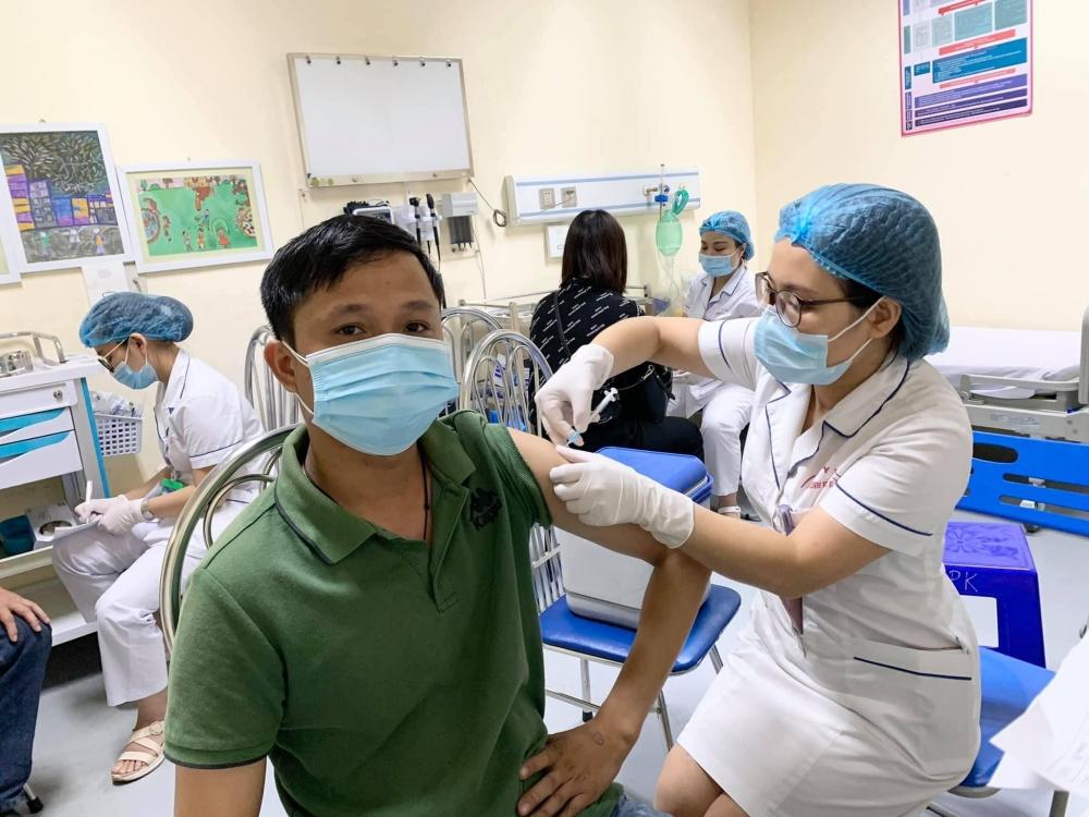 Hà Nội sẽ tiêm 961.000 liều vắc xin phòng Covid-19 mới được phân bổ cho đối tượng nguy cơ cao