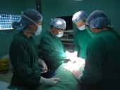 Phẫu thuật miễn phí cho người đàn ông câm điếc mang khối u hơn 20 năm