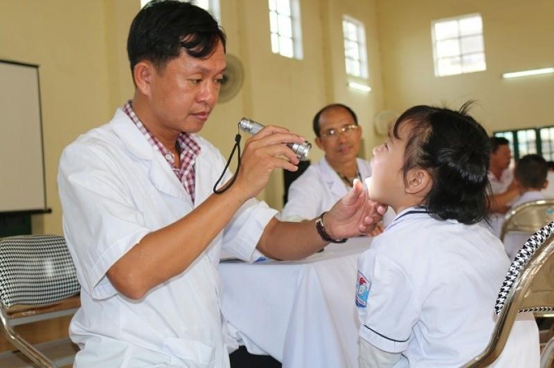 Hoài Đức: Hơn 1500 học sinh được khám sức khỏe định kỳ