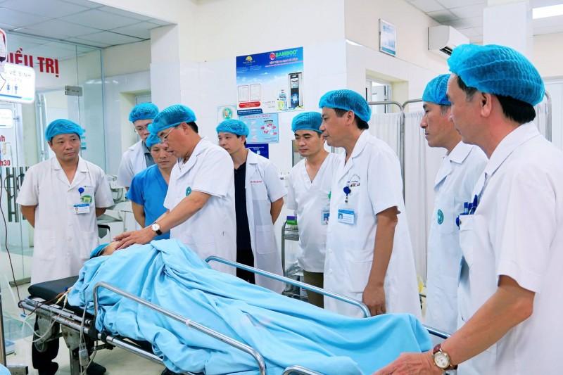 Cấp cứu kịp thời cho 5 nạn nhân bị tai nạn tại Yên Nghĩa