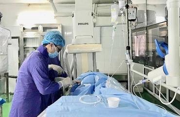 Cứu sống sản phụ chảy máu sau sinh nhờ can thiệp nội mạch