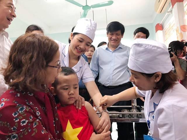 Hơn 4,2 triệu trẻ vùng nguy cơ cao được tiêm bổ sung vắc xin sởi - rubella