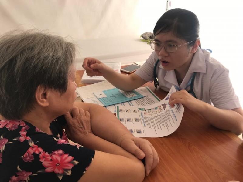 Hơn 100 người cao tuổi phường Trung Tự được khám, tư vấn sức khoẻ