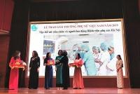 Tập thể nữ nhân viên y tế Bệnh viện Phụ sản Hà Nội đạt giải thưởng Phụ nữ Việt Nam