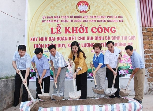 Khởi công xây dựng nhà Đại đoàn kết cho hộ nghèo