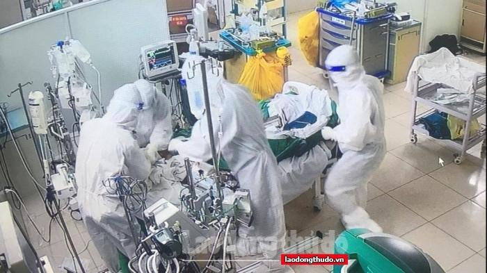 Hôm nay, Hà Nội thêm 12 ca Covid-19, chủ yếu liên quan đến Bệnh viện Việt Đức