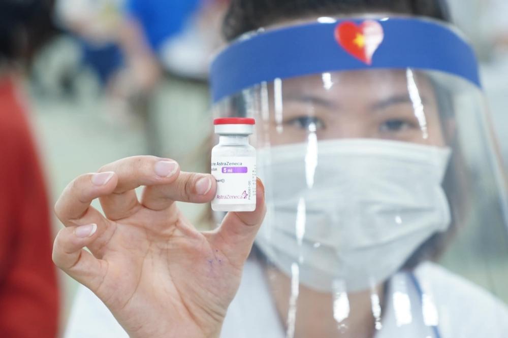 Người tiêm đủ liều vắc xin về từ vùng dịch không cần cách ly tập trung