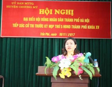 Chủ tịch LĐLĐ Thành phố Nguyễn Thị Tuyến tiếp xúc cử tri huyện Chương Mỹ