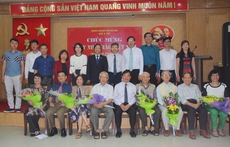 Tri ân các thầy thuốc, nhà giáo nhân Ngày nhà giáo Việt Nam