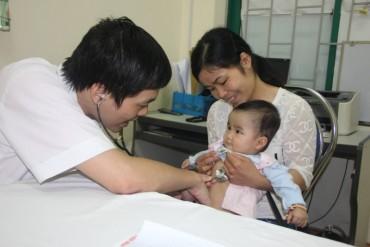 Hơn 3000 trẻ em được khám và sàng lọc bệnh tim bẩm sinh miễn phí ở Lạng Sơn