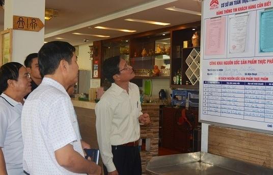 Quận Long Biên: Có 4 tuyến phố an toàn thực phẩm có kiểm soát