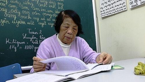 Cô giáo hơn 25 năm dạy học miễn phí cho học sinh khuyết tật