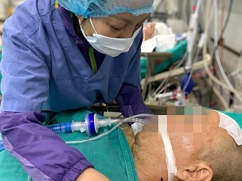 Xúc động người vợ gạt nước mắt hiến tạng chồng cứu người
