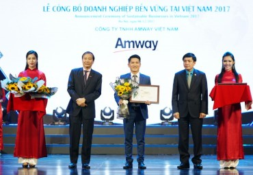 Amway vinh dự nằm trong top 100 Doanh nghiệp phát triển bền vững 2017
