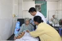 Bệnh nhân 100 tuổi thoát liệt giường nhờ thay khớp háng thành công