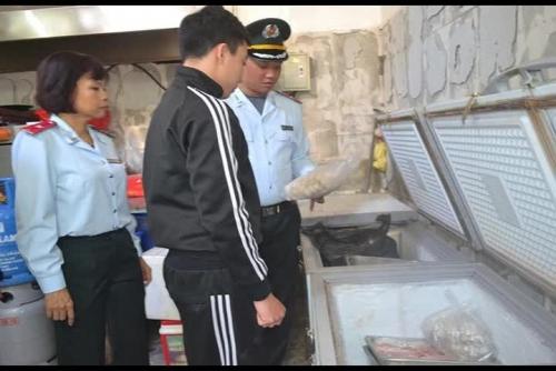 Sở Y tế Hà Nội kiểm tra an toàn thực phẩm tại quận Ba Đình