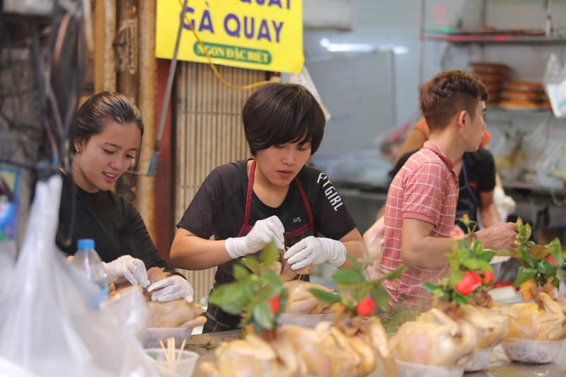 Chợ 'nhà giàu' Hà Nội tất bật ngày cuối năm