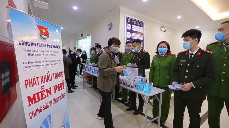 Hà Nội: Phòng chống virus Corona tại điểm cấp và đổi thẻ căn cước