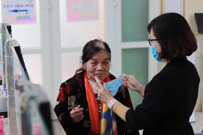 Hà Nội: Bộ phận một cửa nghiêm túc phục vụ nhân dân thời dịch virus Corona