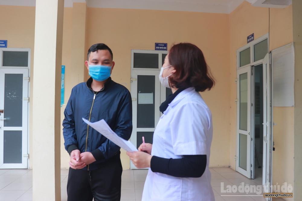 Người dân chủ động khai báo y tế sau khi trở về Hà Nội từ các tỉnh sau kì nghỉ Tết