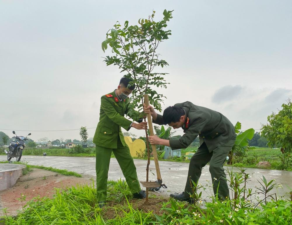 Tuổi trẻ Công an huyện Ứng Hòa tích cực hưởng ứng Tháng Thanh niên năm 2021