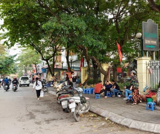Quảng Ninh tạm dừng hoạt động của các hàng ăn, quán ăn, quán nước vỉa hè từ 0h ngày 15/5