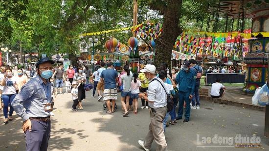 Quận Ba Đình: Tăng cường công tác phòng dịch tại Công viên Thủ Lệ